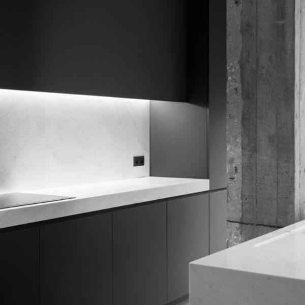 Cementgebonden gietvloer Pure Betonlook renovatie Antwerpen architect Kristoff Biscop