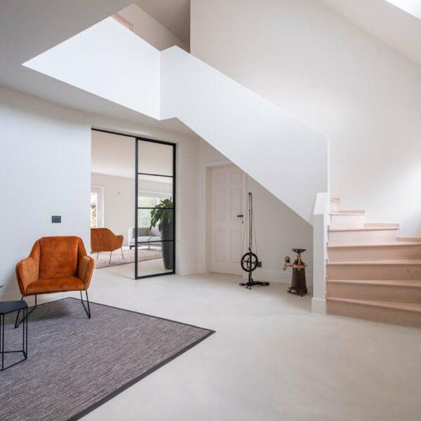 Beton-cire over bestaande tegels wanden en vloeren renovatie Schilde