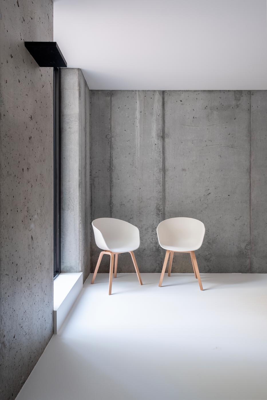 nieuwbouw polyurethaan pu gietvloer kelder gelijkvloers verdieping en inloopdouches